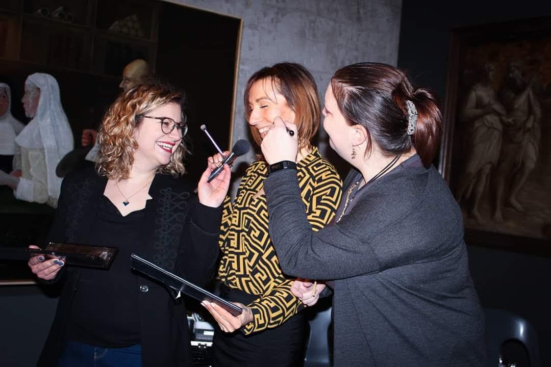 Séance maquillage pour l'association Défil'Cancer à Lille